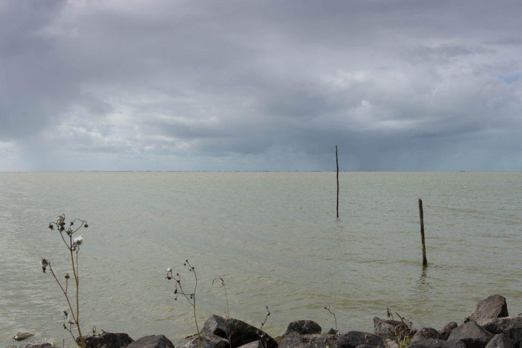IJsselmeer langs tussen Oudemirdum en Mirns